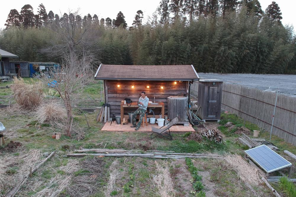 DJI Sparkで小屋を空撮