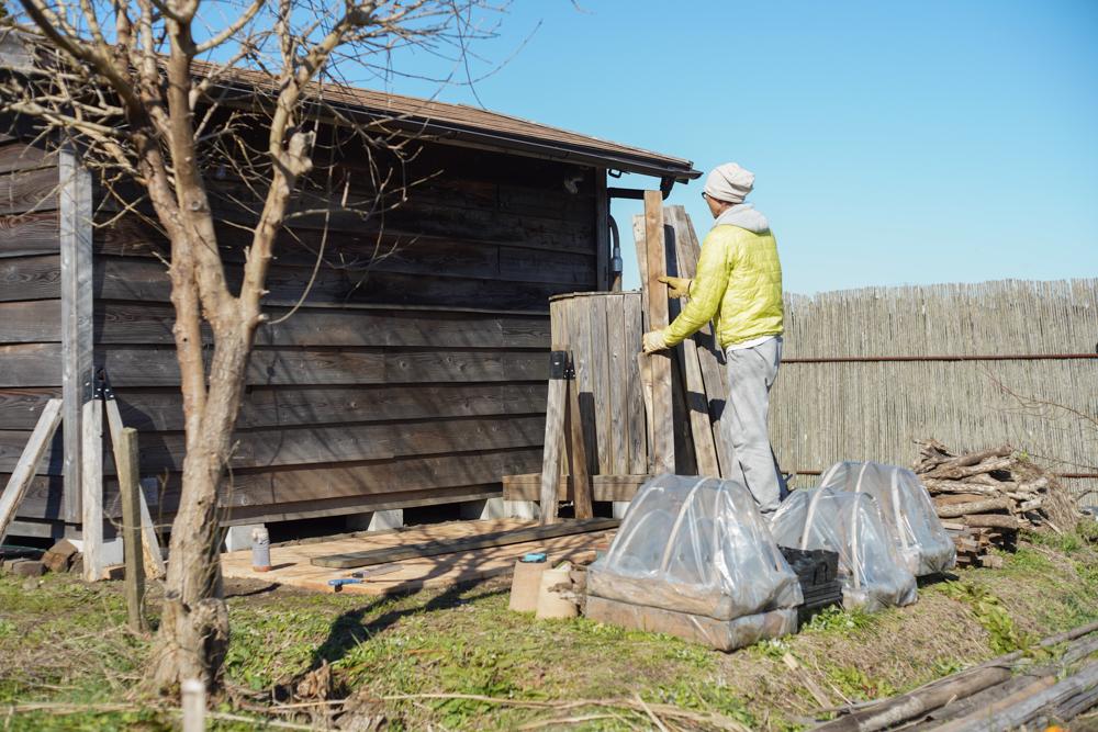 ソーホースブラケットで小屋脇に作業台を作る 部材