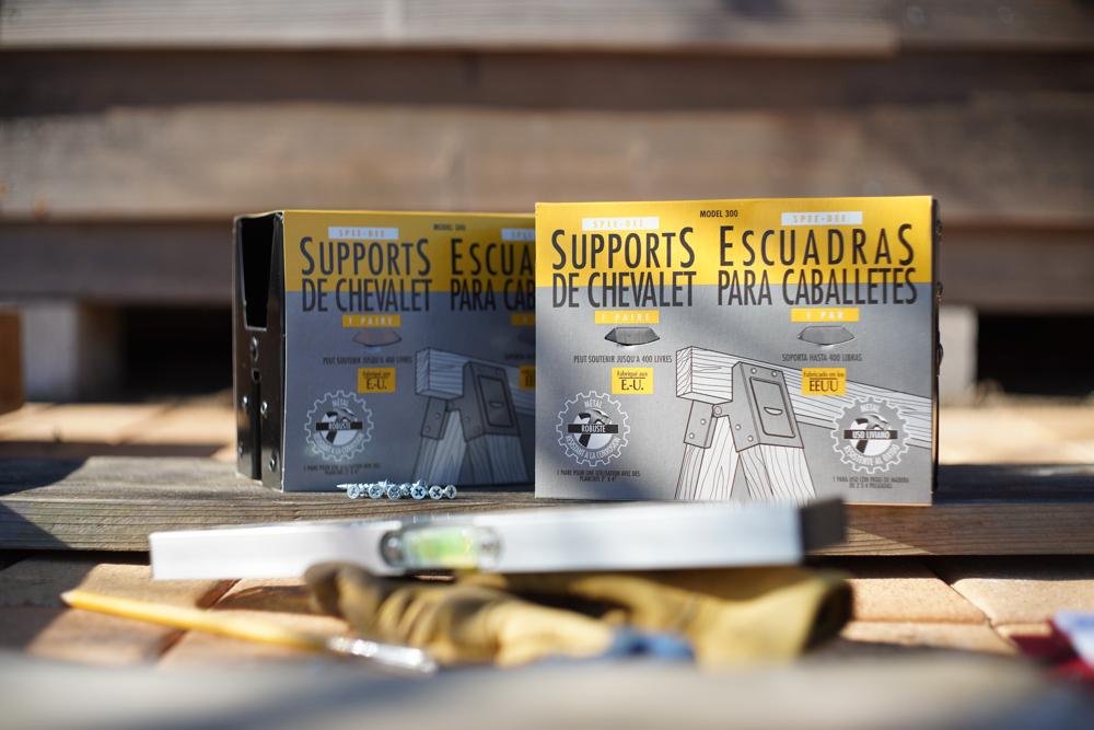 ソーホースブラケットで小屋脇に作業台を作る 仮組み ソーホースブラケット