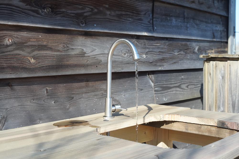 ガーデンシンクDIY 水栓から水が出る