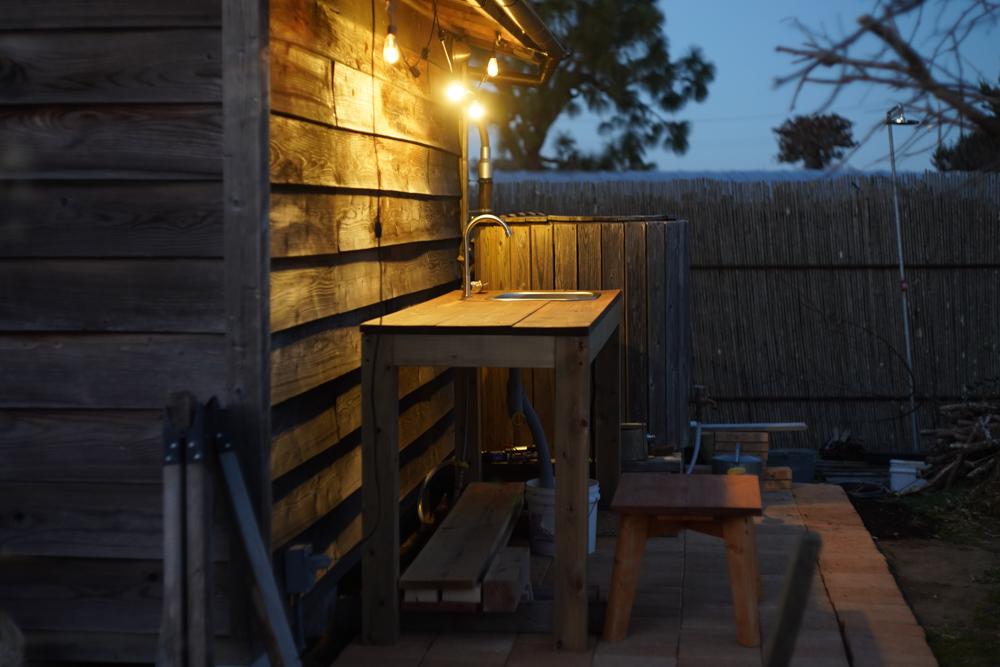 房総フィールド ガーデンシンクテープルと照明