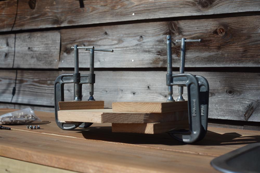 房総オルタナティブファニチャー ハイスツールを作る 座面のダボ継ぎ 固定