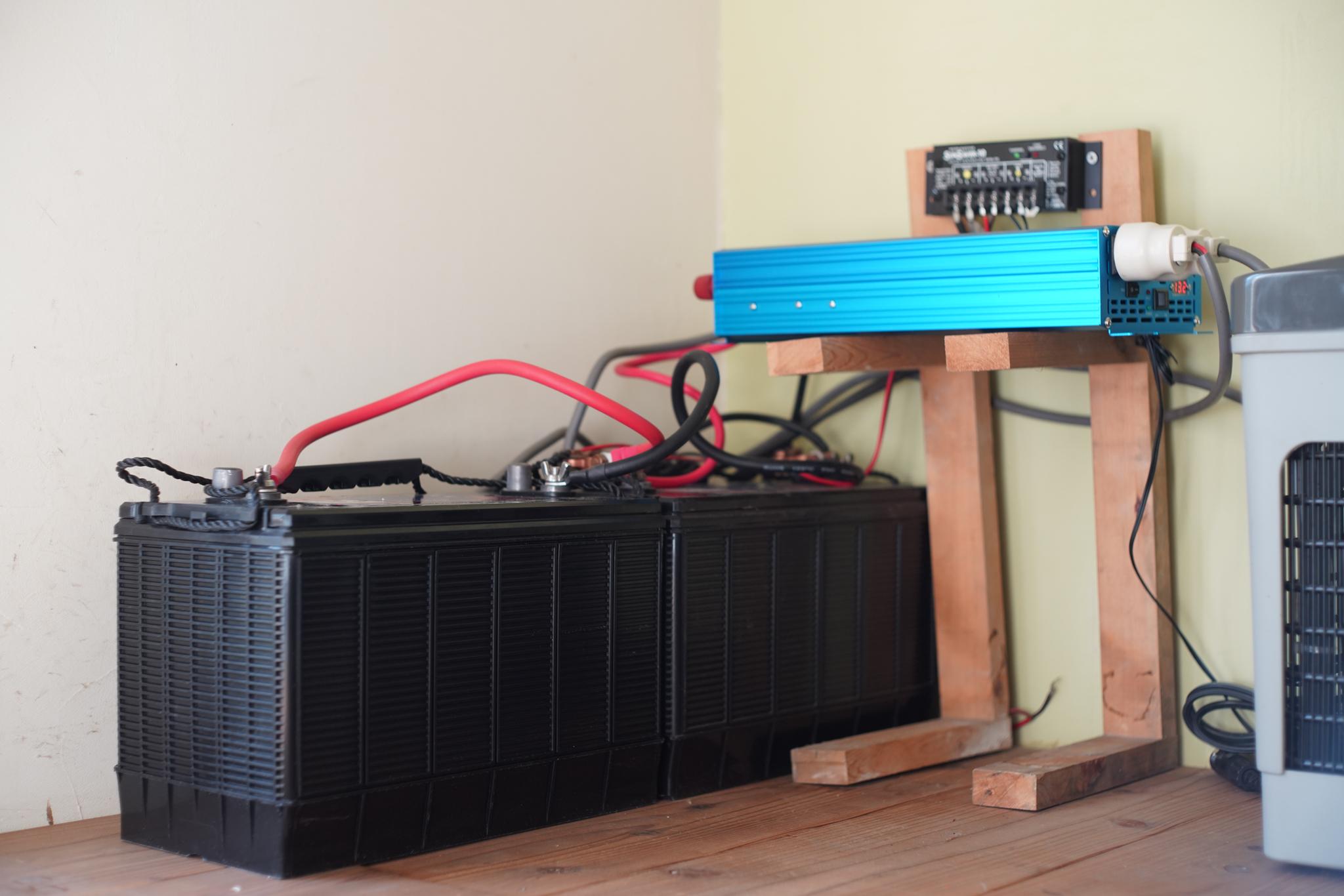 小屋のソーラー発電用ディープサイクルバッテリーをAC Delco M31MFに統一