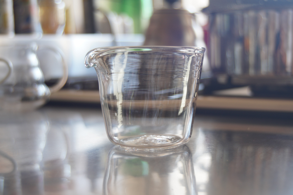 房総 千倉のガラス工房 Glass Fish グラスフィッシュでメジャーカップ風ピッチャーを作る