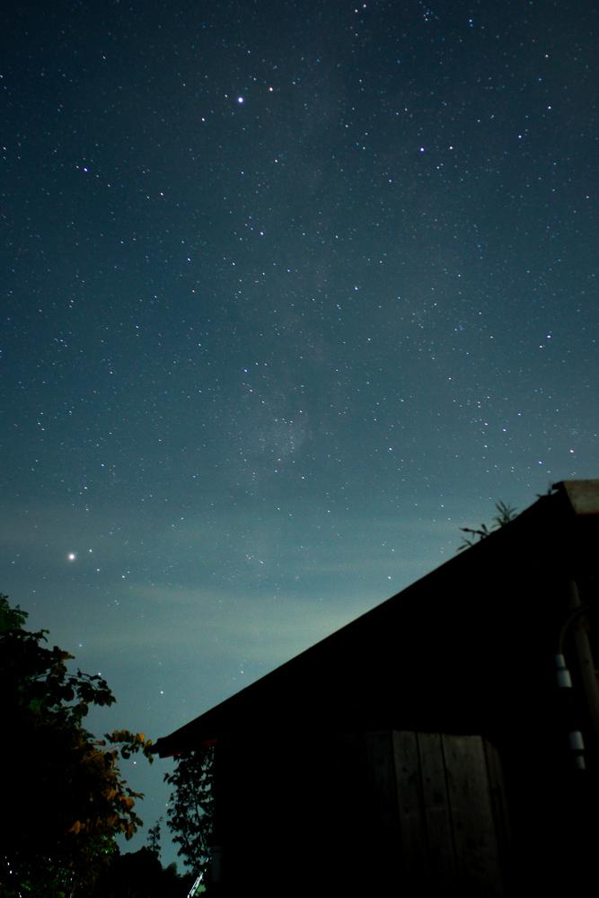 房総フィールドの星空 小屋と天の川とアルタイルと土星