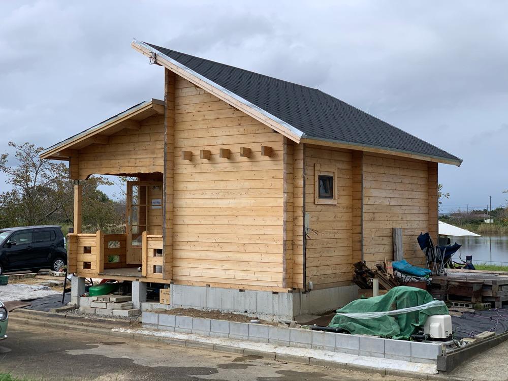 湖畔のログハウス 完成