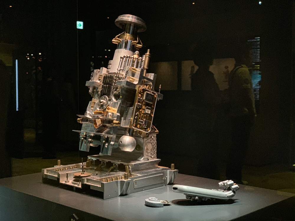 STAR WARS IDENTITIES THE EXHIBITION 天王洲 寺田倉庫 ミディ=クロリアン値計測機器