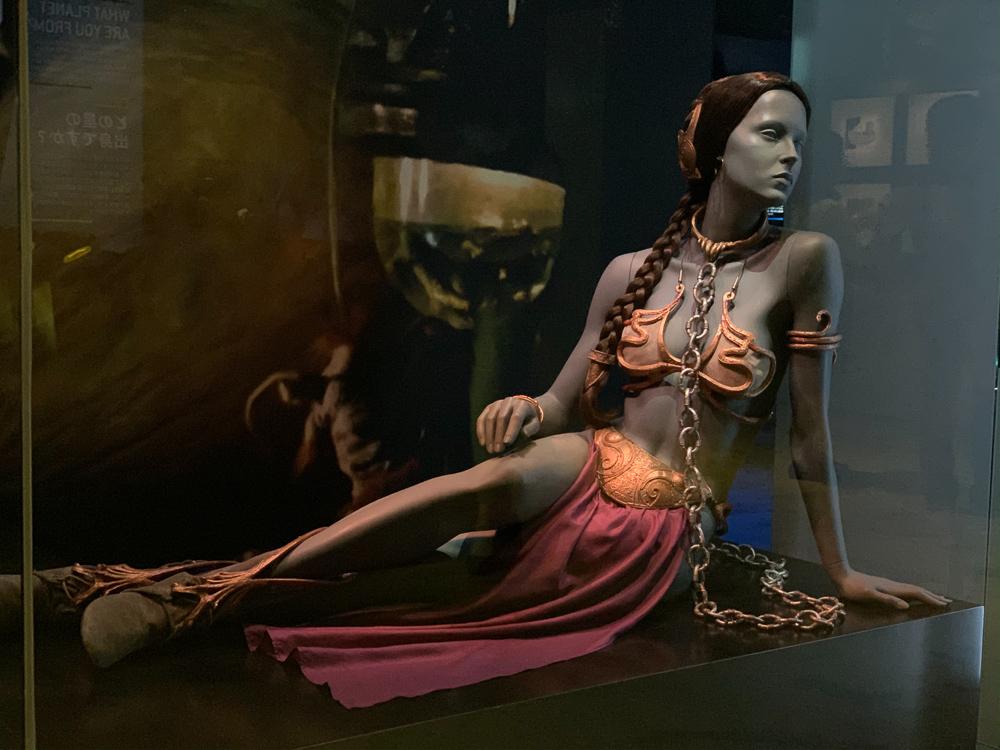 STAR WARS IDENTITIES THE EXHIBITION 天王洲 寺田倉庫 ジャバに囚われた時のレイア姫