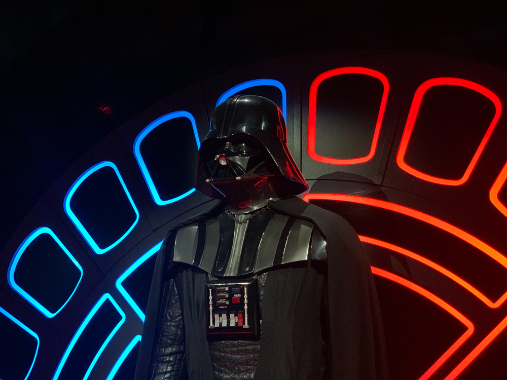 STAR WARS IDENTITIES THE EXHIBITION 天王洲 寺田倉庫 ダースベイダー