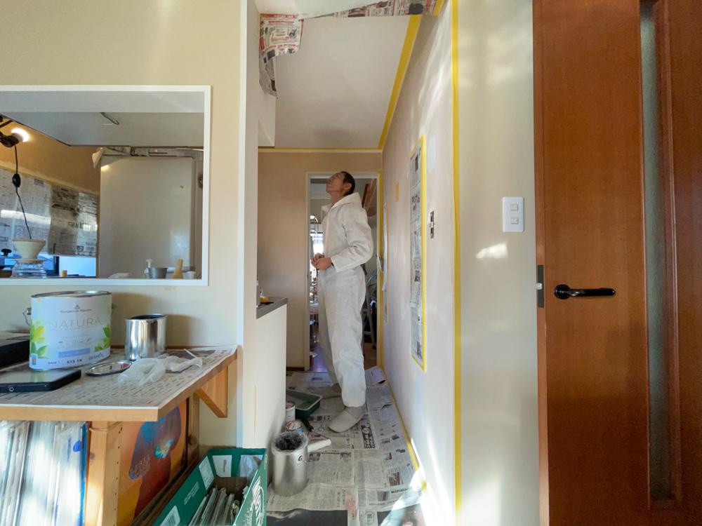 東京自宅 キッチンのペンキ塗り 家の真ん中に黄色いキッチンができました!
